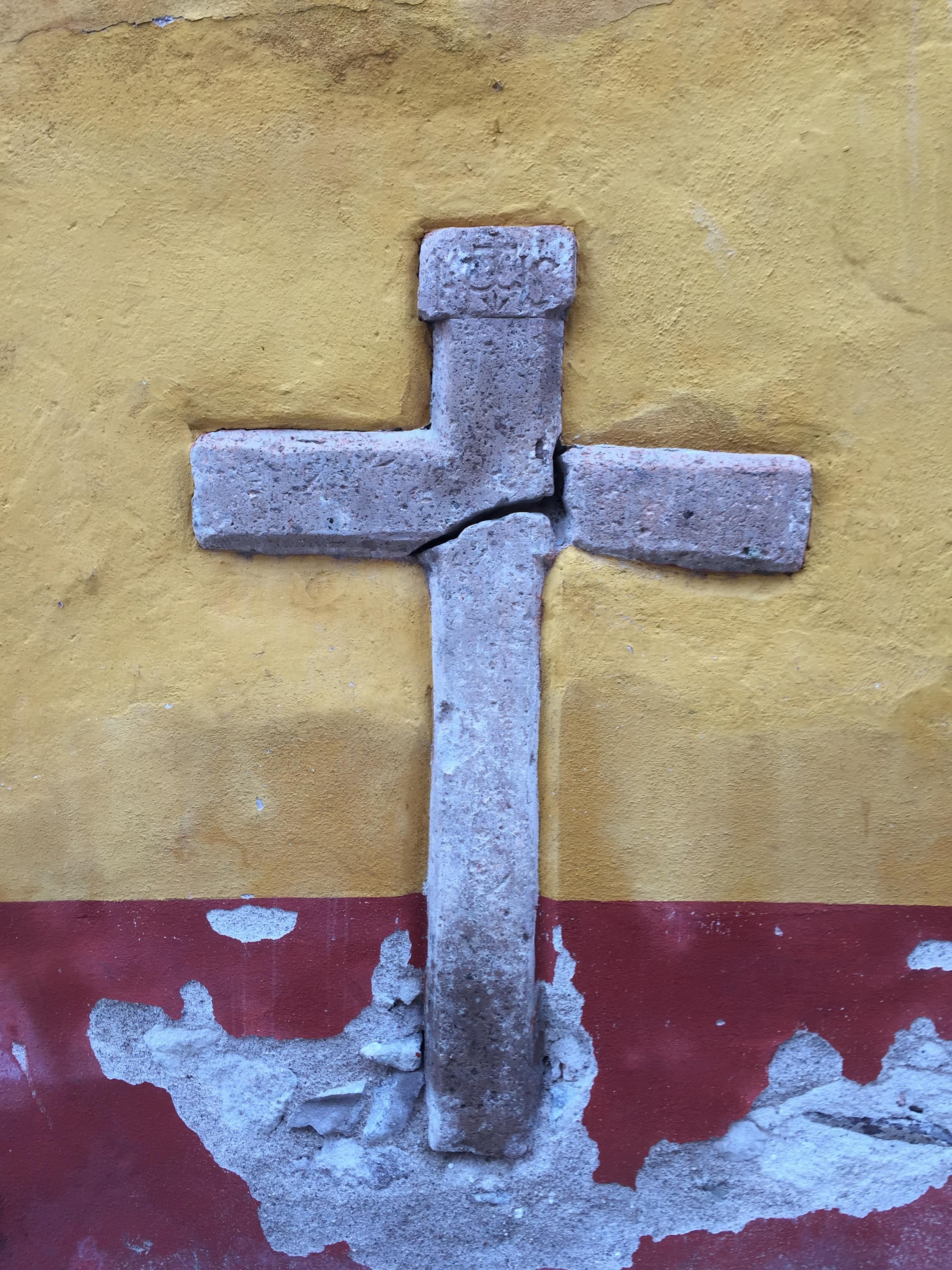 Cross IMG_4995.JPG