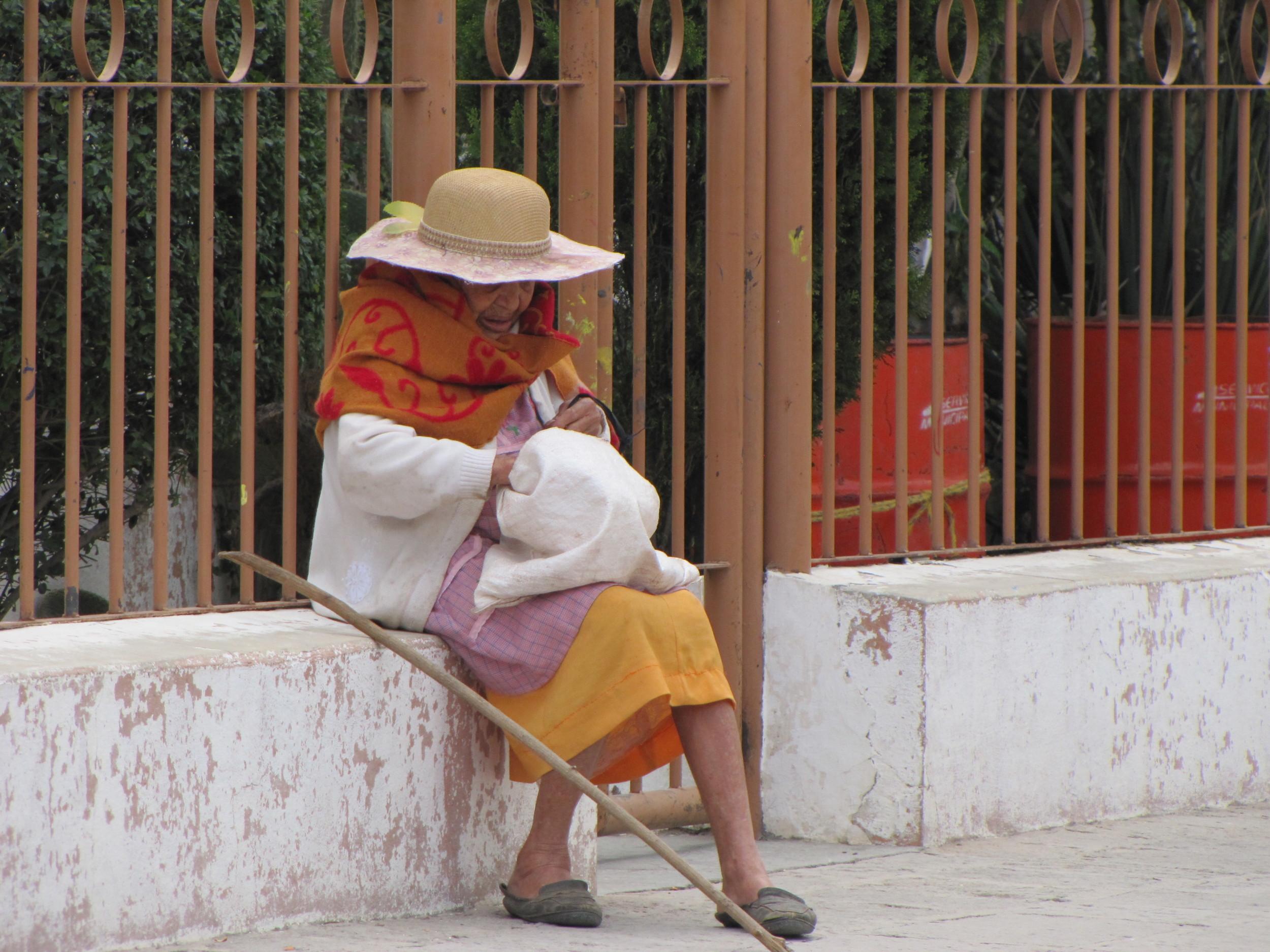 Old lady hat .JPG
