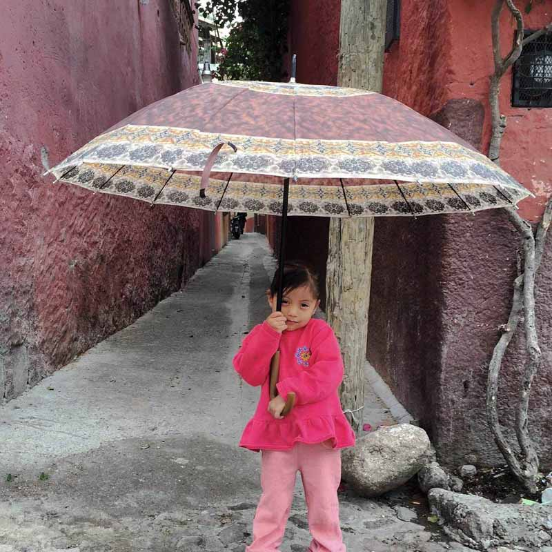 Girl-umbrellafor-web--IMG_5010.jpg