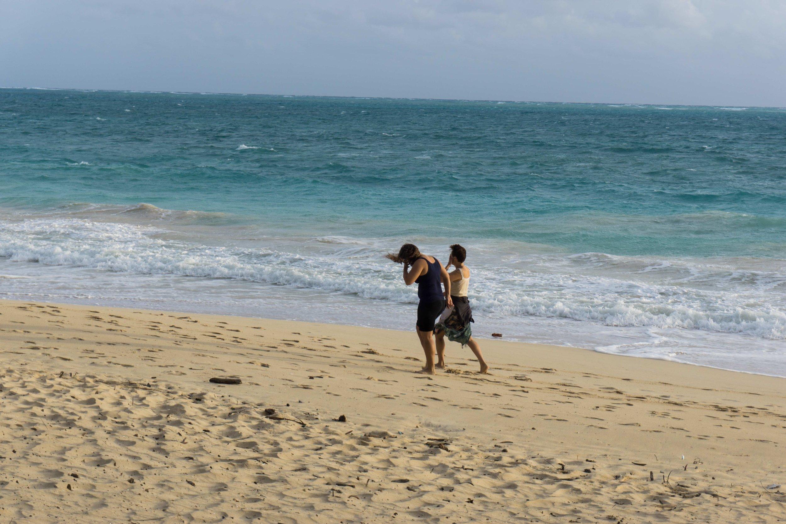 Girls on beach DSC03679.jpg