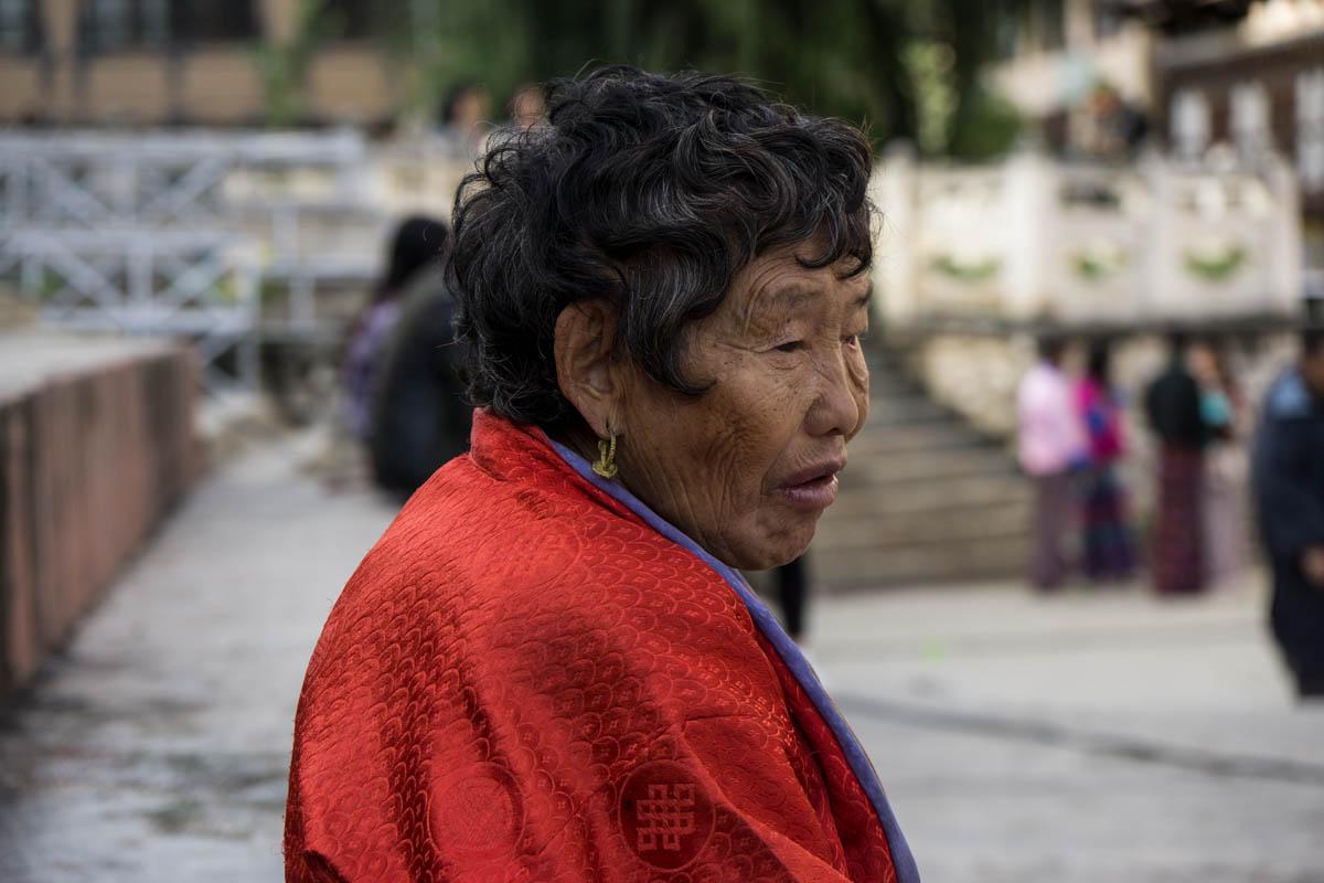 Older lady DSC6809.jpg