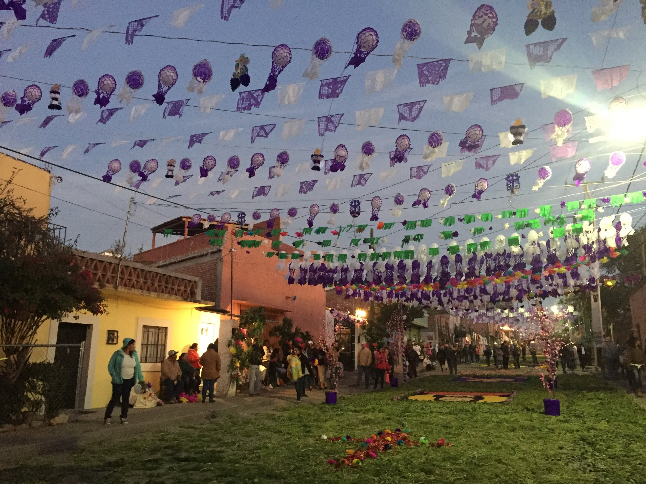 Awaiting the procession from atotonilco at dawn
