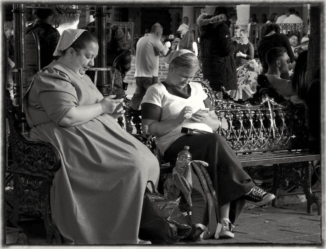 _Nuns and phones Sepia DSC7768 (1).jpg