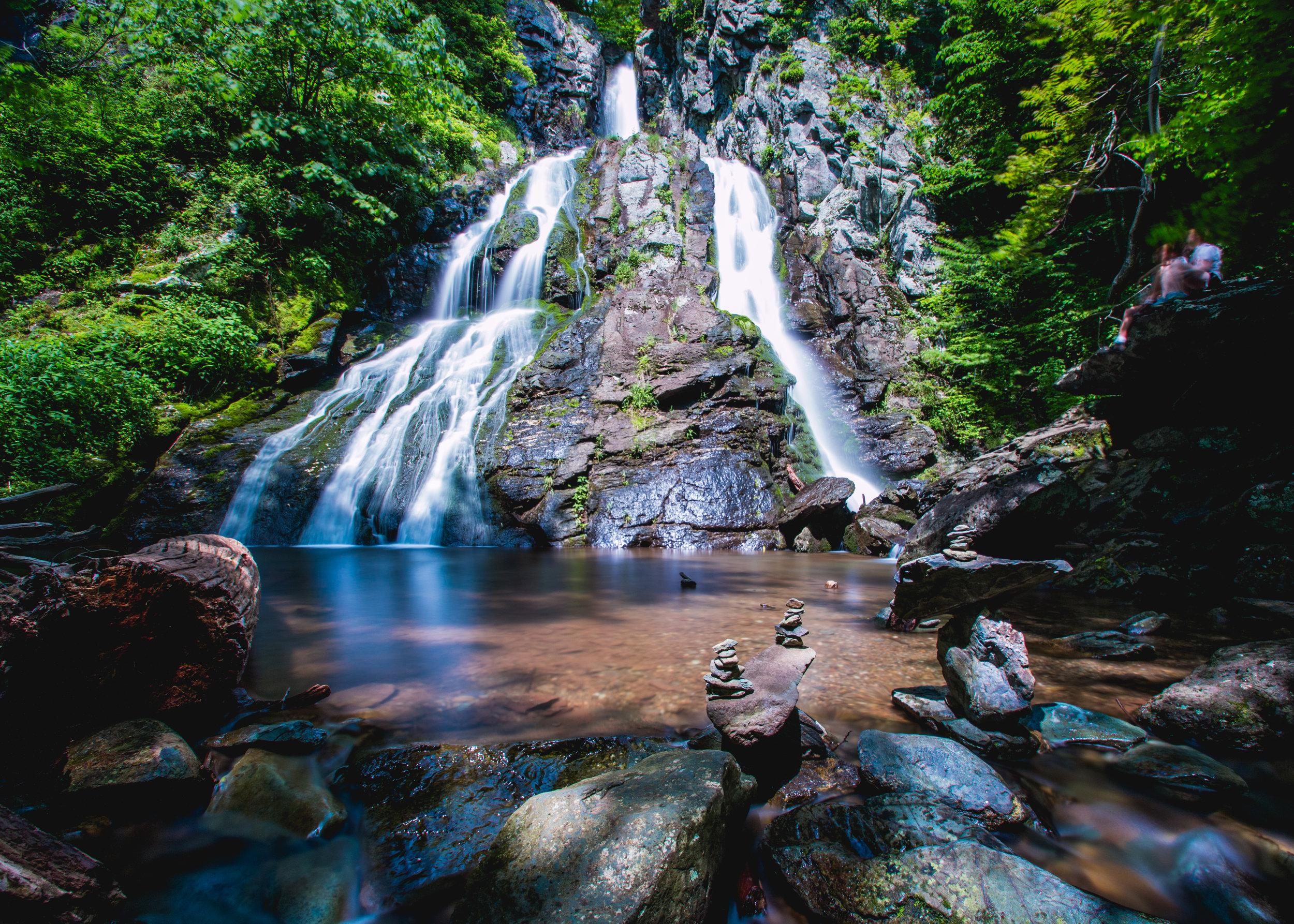 shenandoah waterfall daytime long exposure
