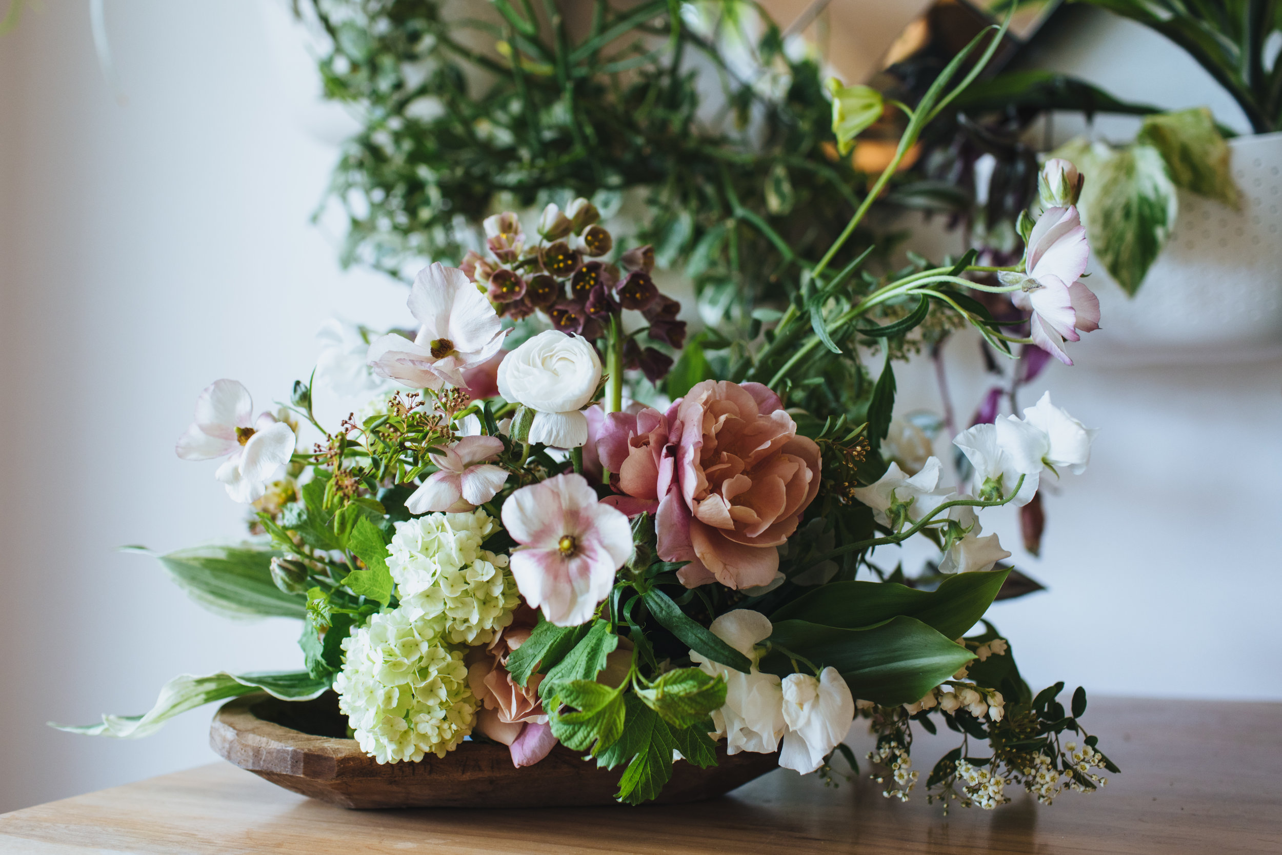 Moon Canyon Floral Design, Neutral & Organic floral centerpiece, blush, greenery, white, Art & Soul Events, Photographer: Rad + In Love, The Ruby Street Los Angeles Wedding Venue