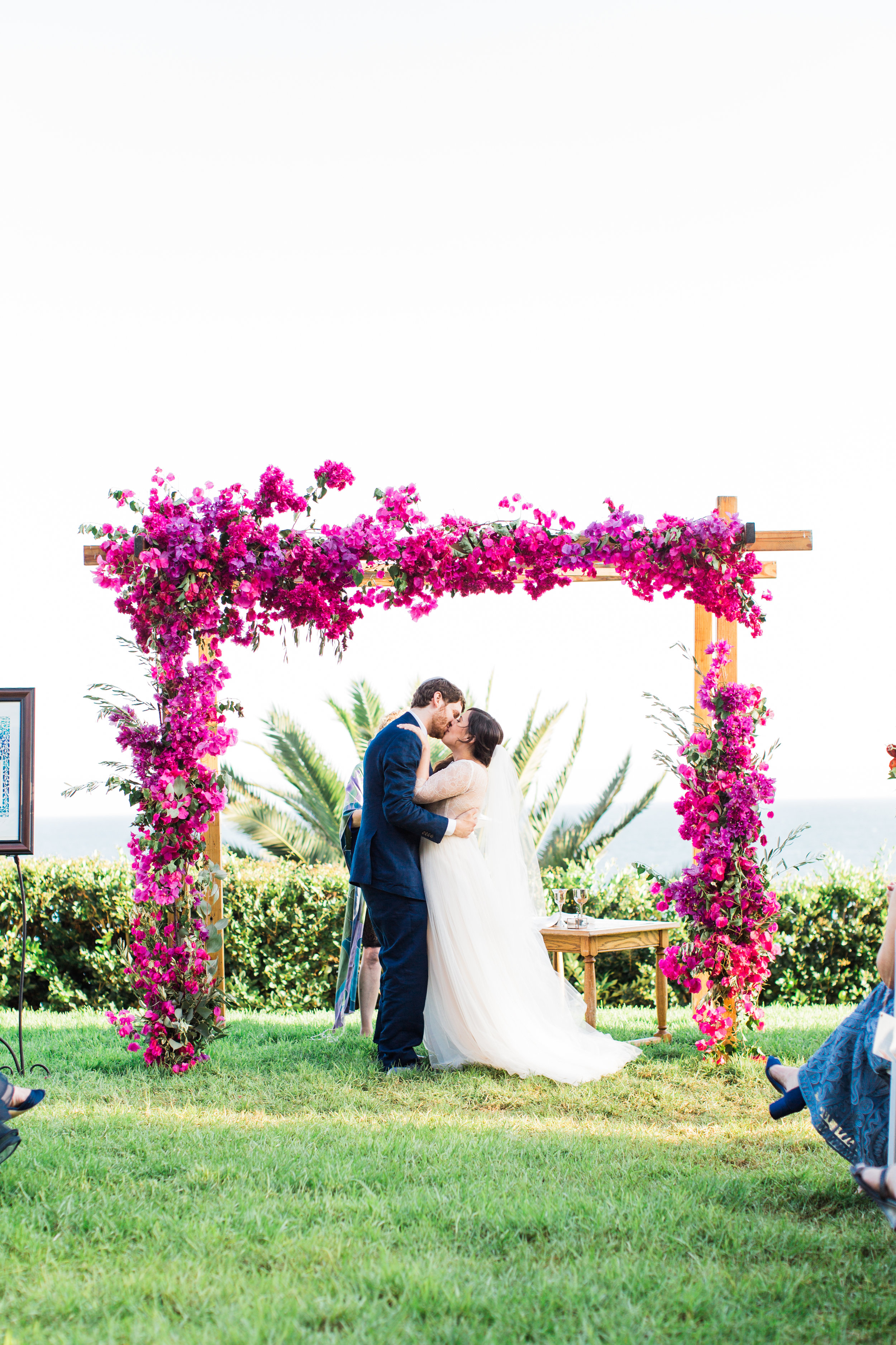 Rachael + David  // Photographer:  Laura Ford , Floral Designer: The Flower Lab