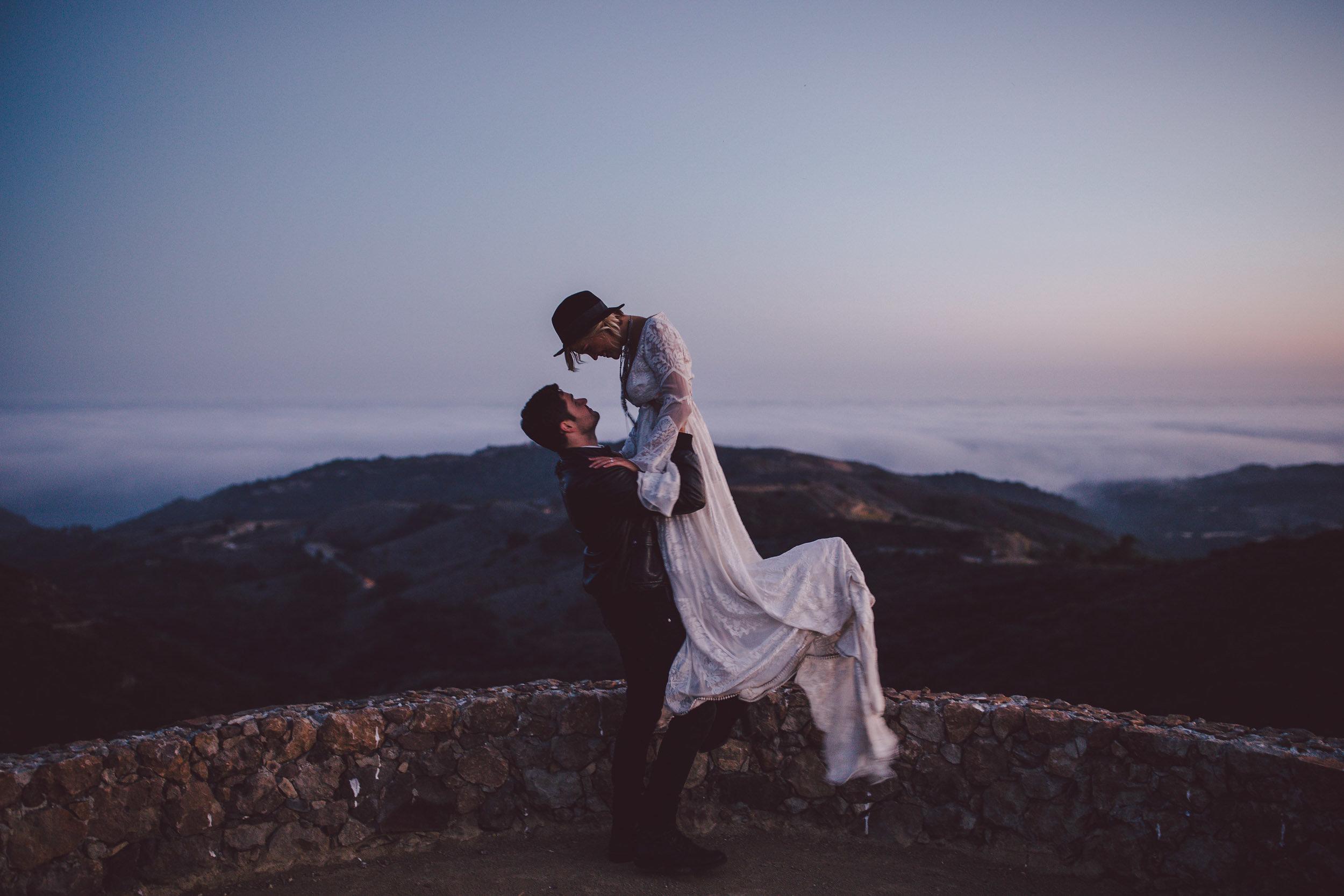 stonewall-ranch-malibu-romantic-sunset-portraits.jpg