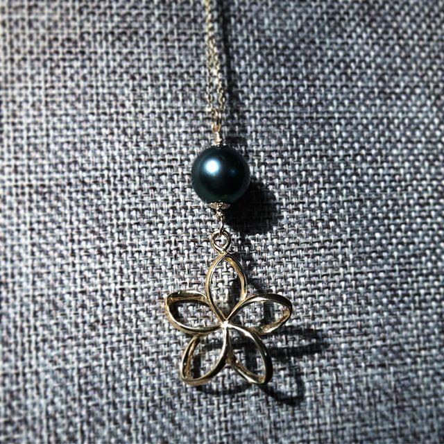New jewelry for my Ben Franklin locker  #plumeria #flower  #tahitianpearls #tahitianpearljewelry #tahitianpearl #fetiapearls #hawaii #tahiti #japan #womanempowerment #sale #womanownedbusiness #ocean #supportwomanowned #womanownedbiz #oritahiti #tahitiandance #sale #タヒチアンダンス #タヒチアン