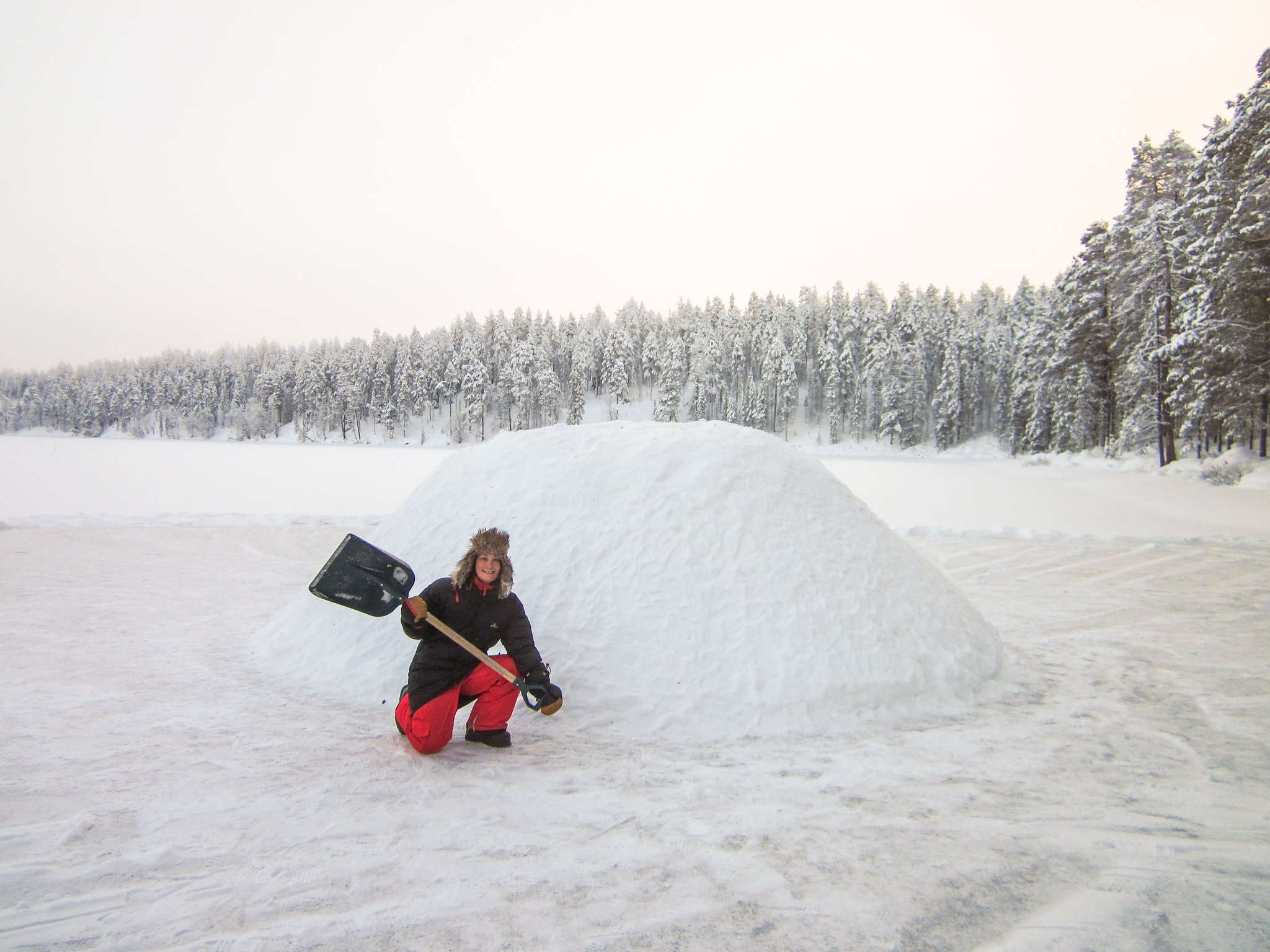 adventure_apes_kuusamo_igloo_building_005.JPG