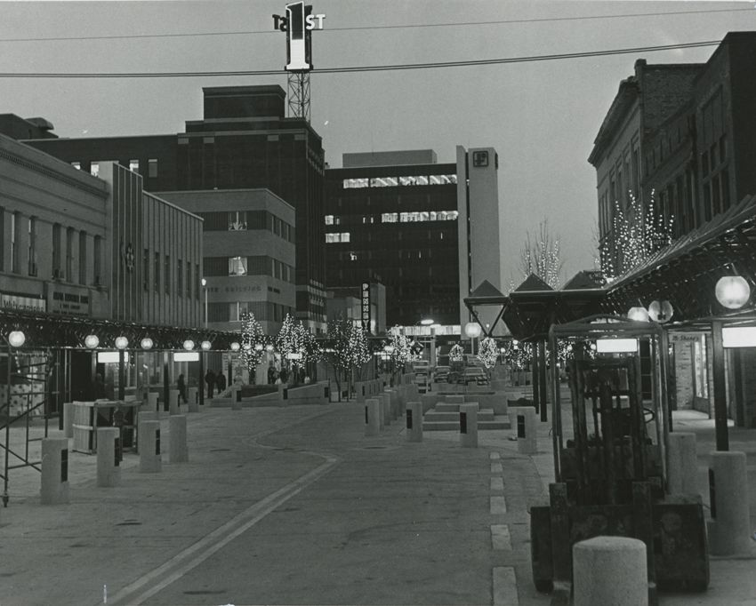 Fargo's Broadway in 1975: The Red River Mall design aimed to replicate an indoor mall - all on-street parking was removed, which stifled the success of the ground floor retail.