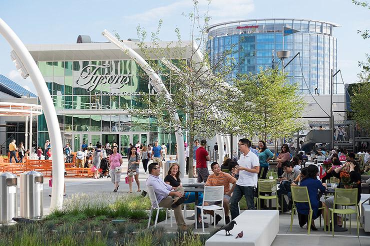 20140824-231-New-plaza-at-Tysons-Corner-mall.jpg