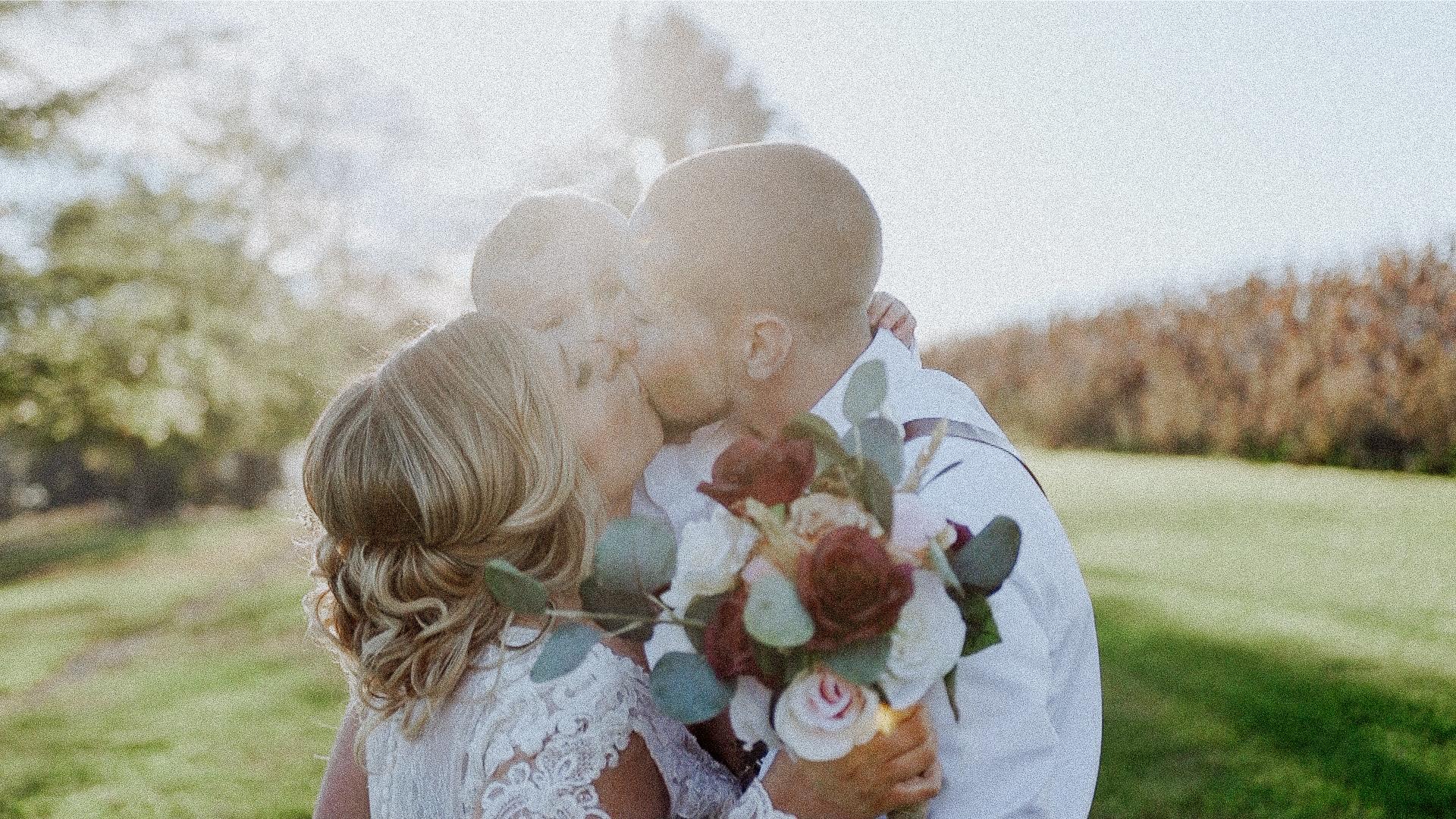 Kelsey John sam kiss.jpg