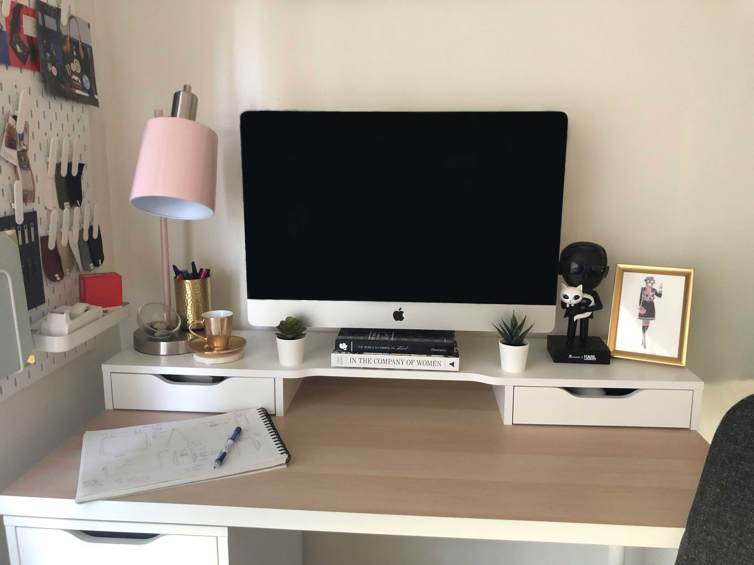 One desk.