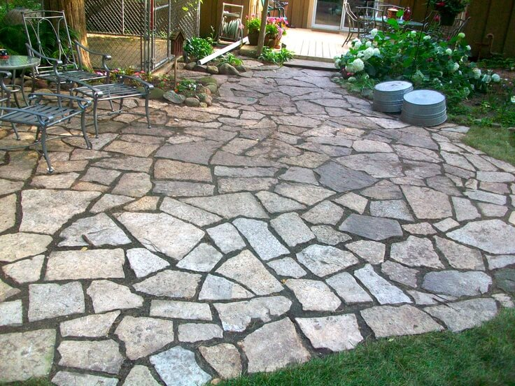 backyard-ideas-flagstone-patio.jpg