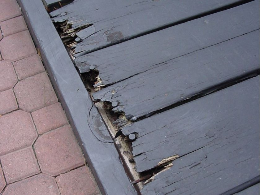 A deck that is rotting at the edges. Photo Credit:  Ottawa Citizen .