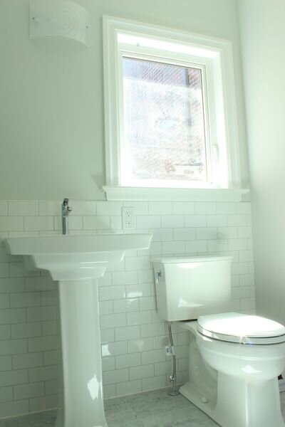 Bryant_renovations_bathroom_renovation_light_colour_scheme.jpeg