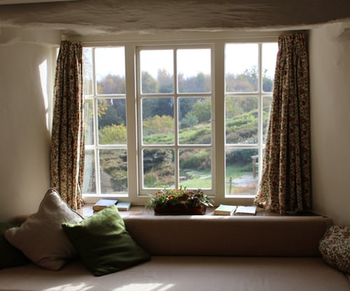 Feature Wall - Room With a View - Rob Wingate.jpg