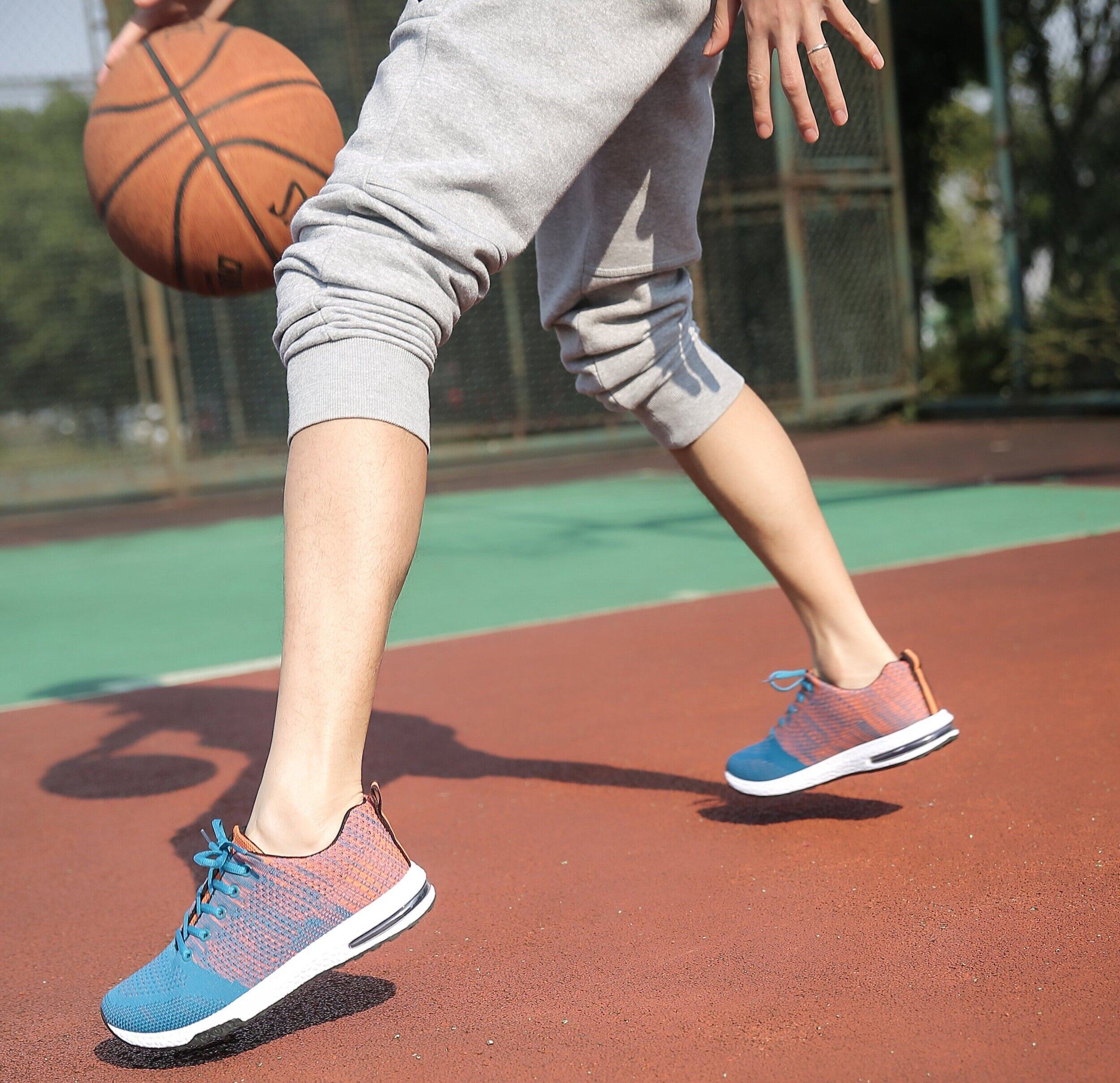 athlete-ball-feet-1522381.jpg