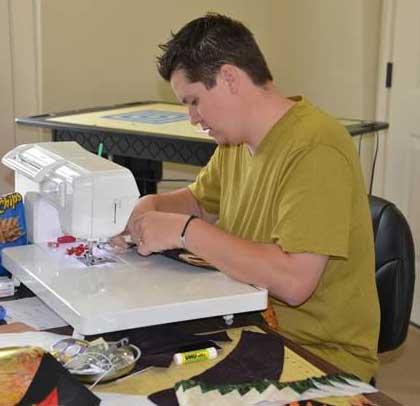Thimble-Towne-Sewing_photo.jpg