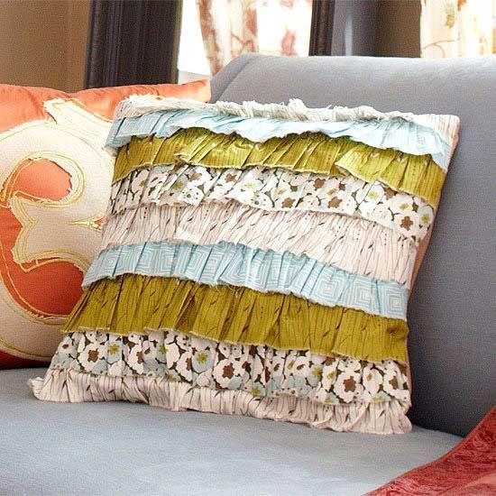 Thimble-Towne-Pillow_photo.jpg