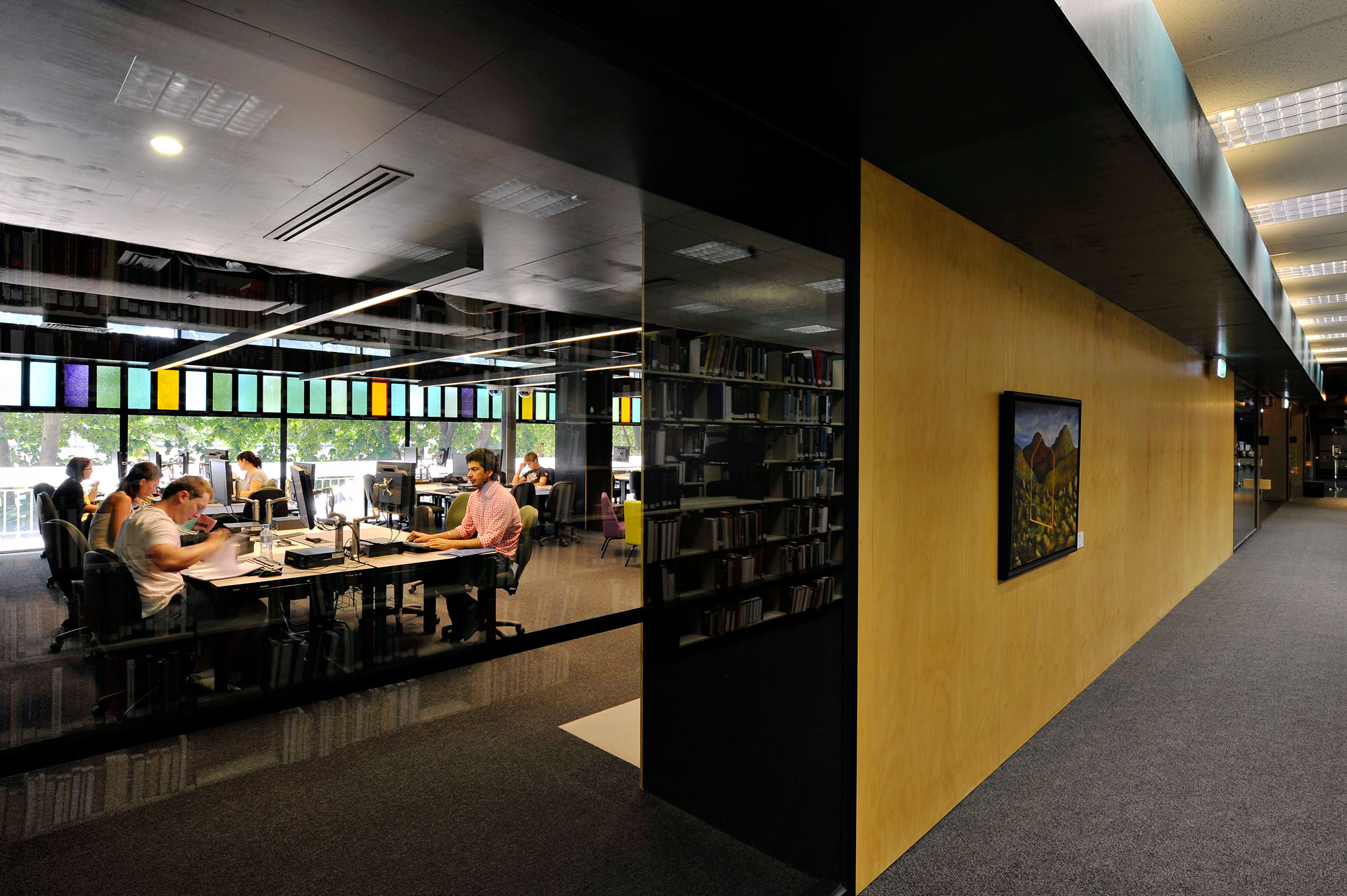 <a href=/5e_deakin-wp-library>Deakin University Library<strong>Waurn Ponds Campus</strong></a>