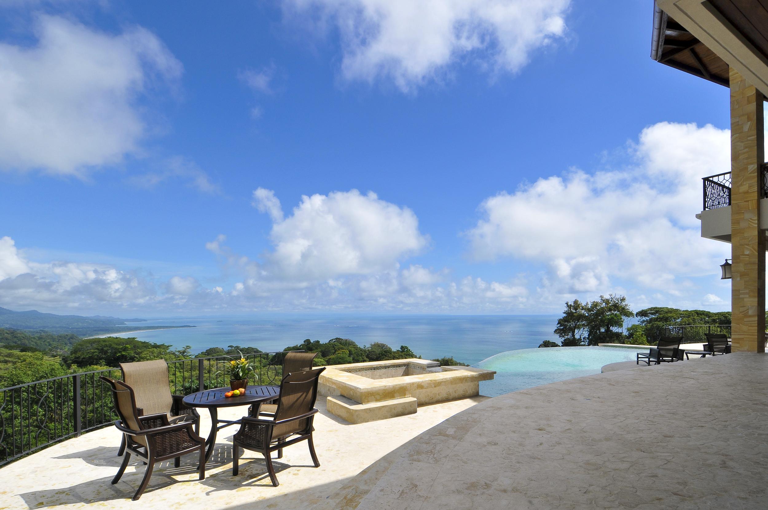 flex5-yoga-retreat-costa-rica-villa-gym-infinity-pool-ocean-view.jpg