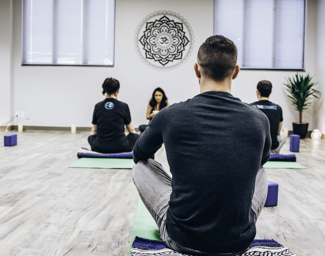 flex5-charlotte-fitness-wellness-team-yoga-practice.jpg