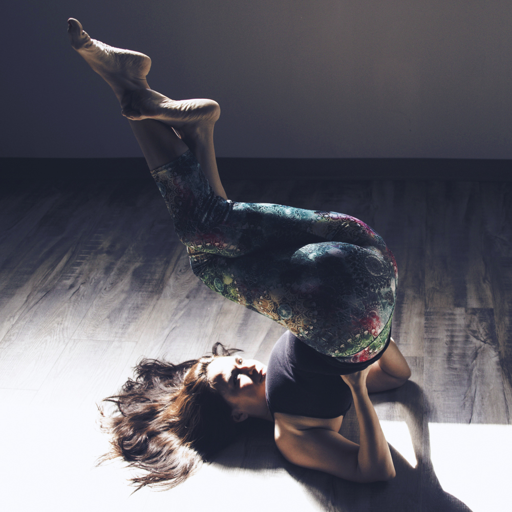 flex5-goddess-yoga-series-fitness-shoulder-Stand-garundasana-wellness-charlotte-nc.jpg