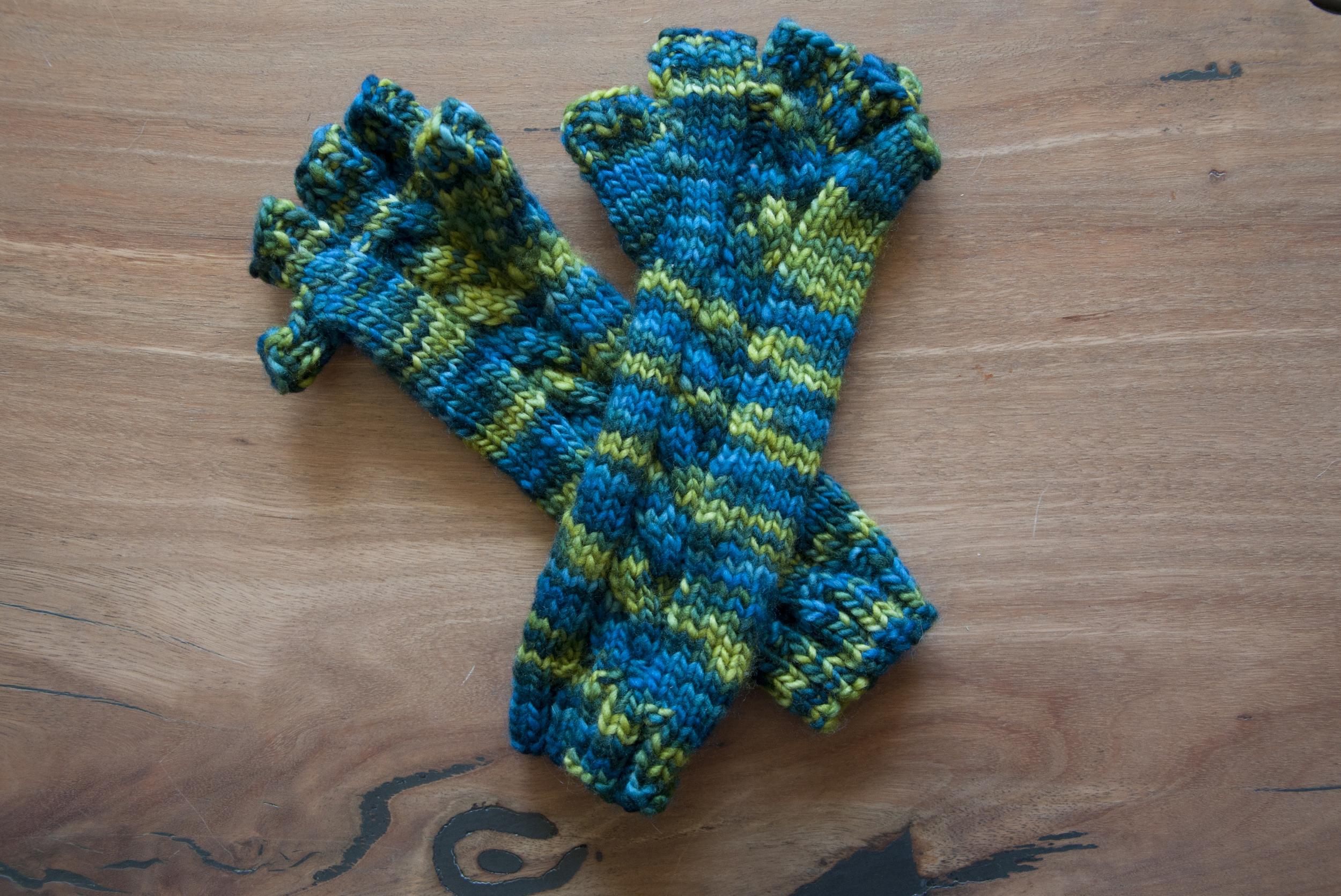 Crafts_Ashlyn Gloves_20131013_0007.jpg
