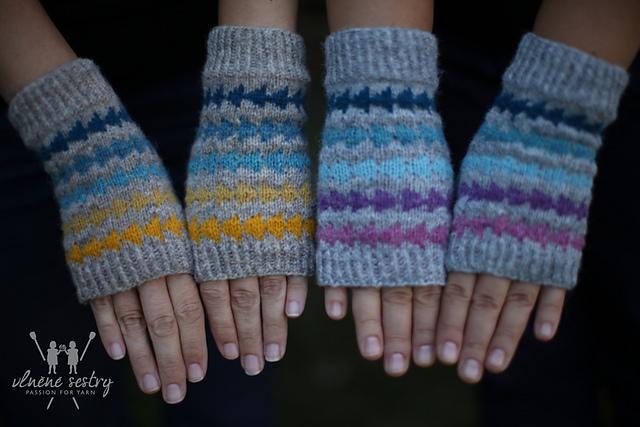splash of color_kopie fingerless gloves.JPG