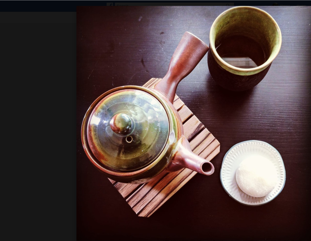 We offer organic teas served in japanese tea pots & delicious mochi