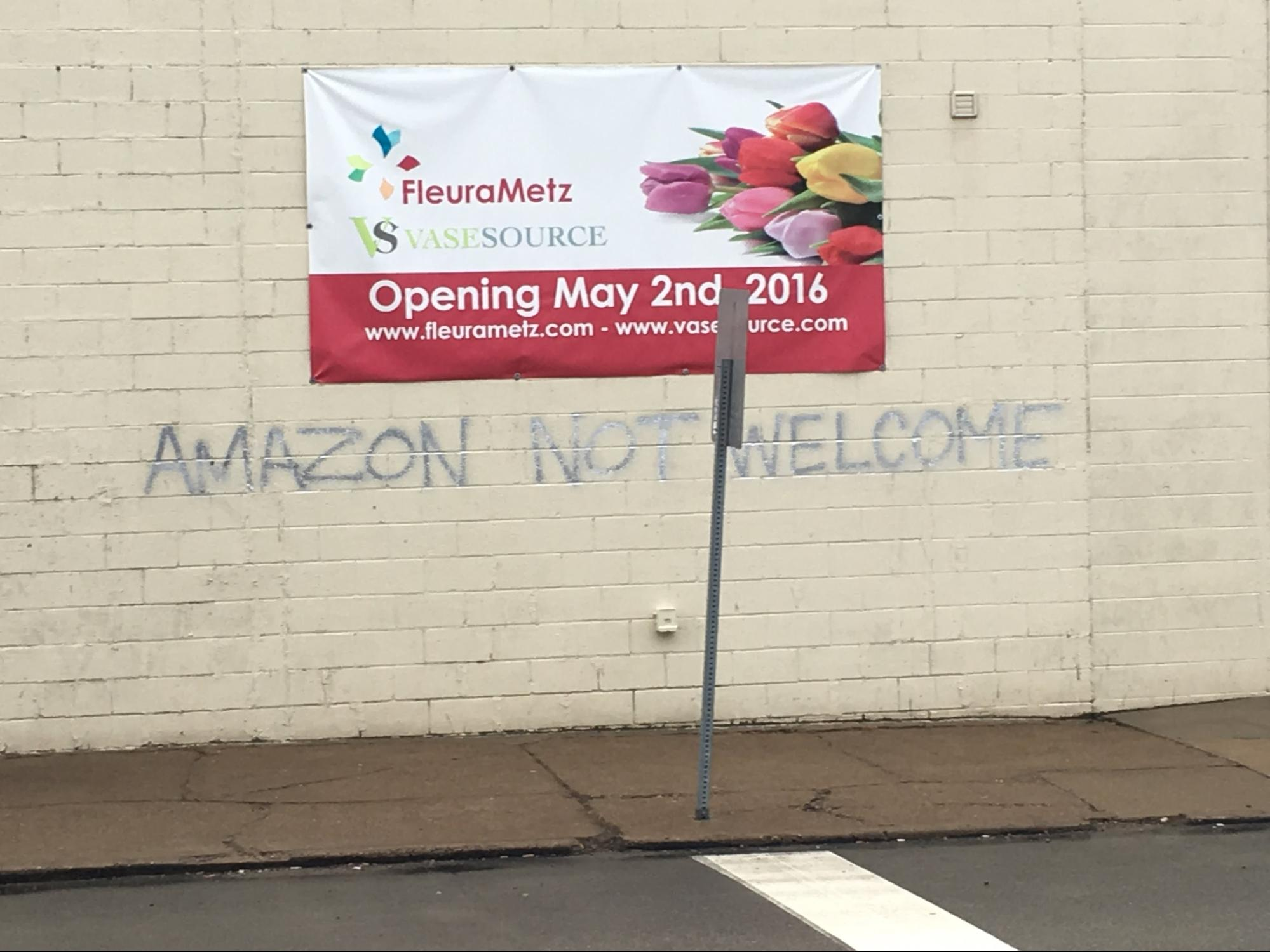 (Community response to Amazon HQ2 in the Strip District - Imgur: majordang)