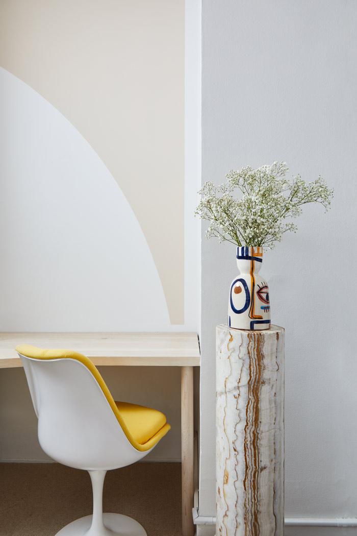 Desk_Vignette_5_Chair.jpg