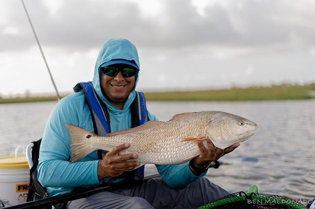 @abel_zuniga80 with an 10 plus pound pig! This guy missed the slot by an inch. It probably would have put us over the top. #reelyakkers #kayakfishing #redfish #shimano #hobiefishing
