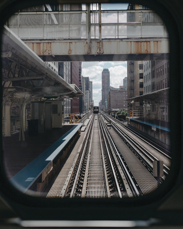 012-chicago-train.jpg