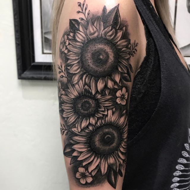 🌻 by @tatt2_nick