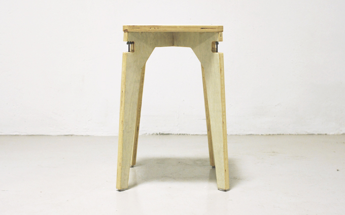 the-cave-Wing-Bolt-Stool-_02_680.jpg