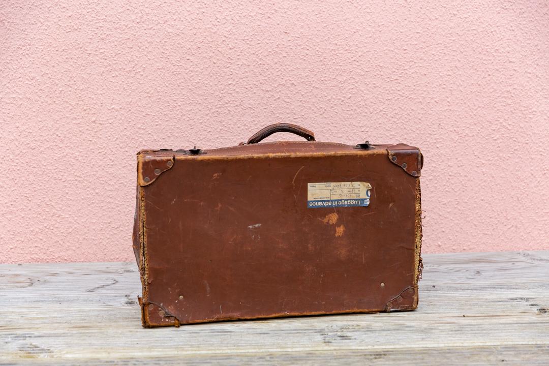 Vintage suitcase £5