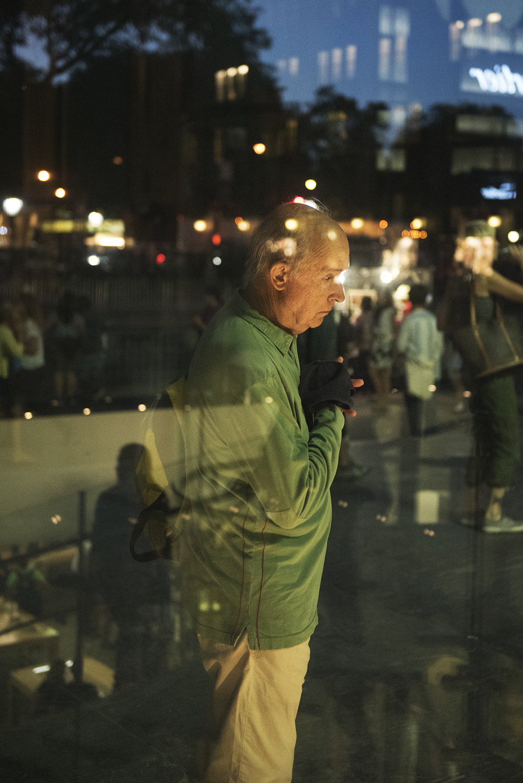 Apple Store on 5th Ave, Manhattan 2015   ©Go Nakamura     photography