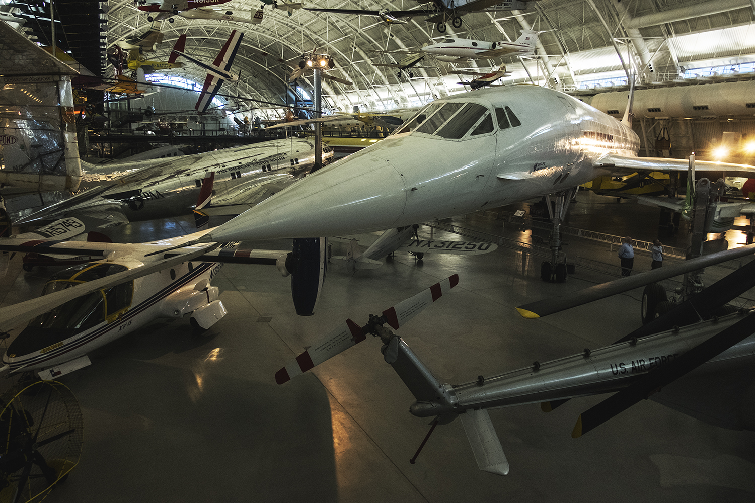 Smithsonian National Air and Space Museum. Cantilly, Virginia. 2015   ©    Go Nakamura     photography