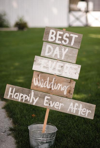 rustic wedding signage.png
