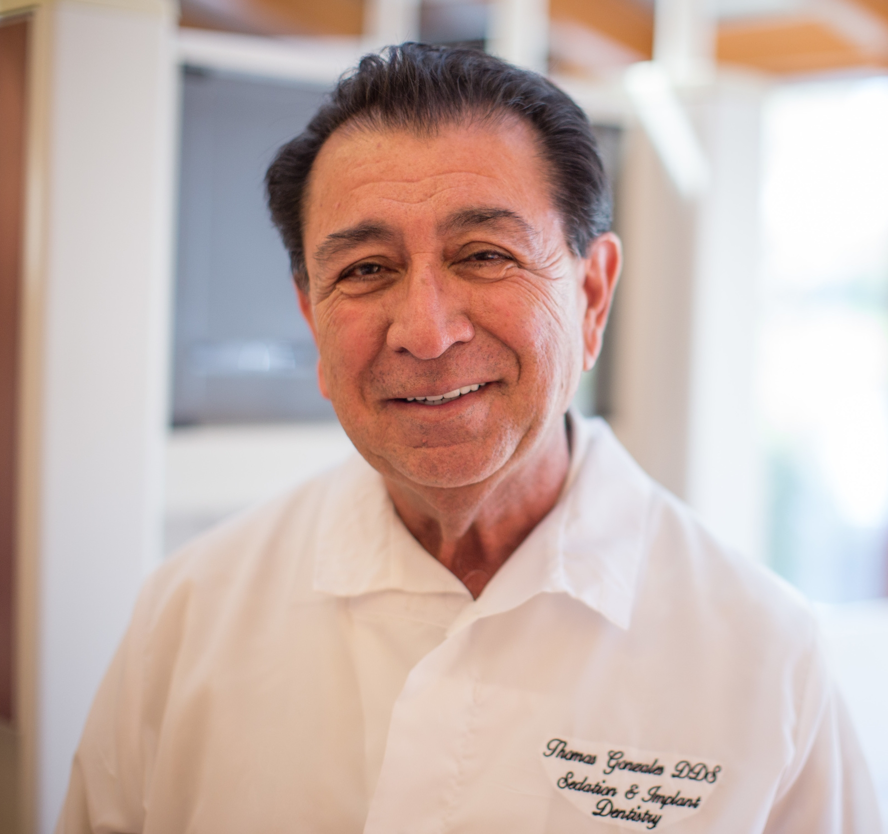 Dr. Thomas Gonzales is a dental implant specialist at Town Center Dentistry in Rancho Bernardo. We answer your dental implants and tooth replacement frequently asked questions.