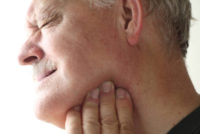We have neuromuscular Therapy Experts who can evaluate your jaw for any clicking or pain. Come to Town Center Dentistry in San Diego.