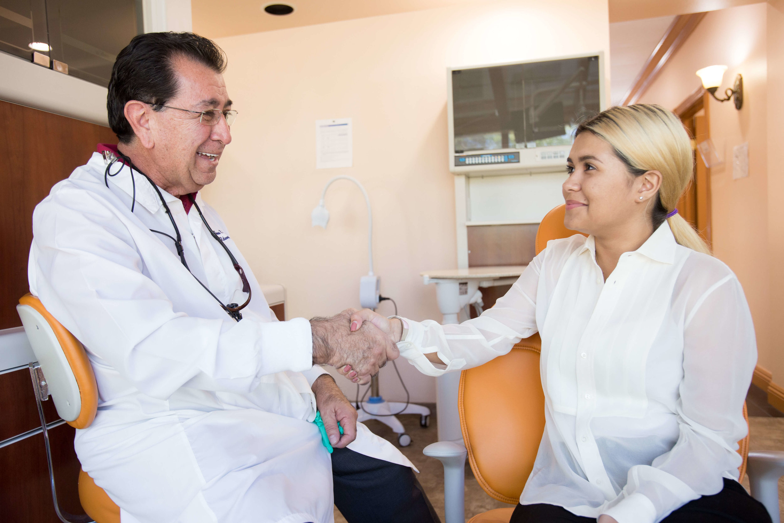 Watch videos from Town Center Dentistry in Rancho Bernardo about our dental implant specialists, Dr. Gonzales and Dr. Driver. Learn about our dental specialists in San Diego.