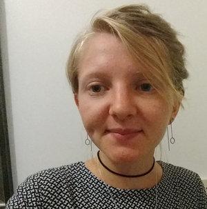 Hannah,  blogger