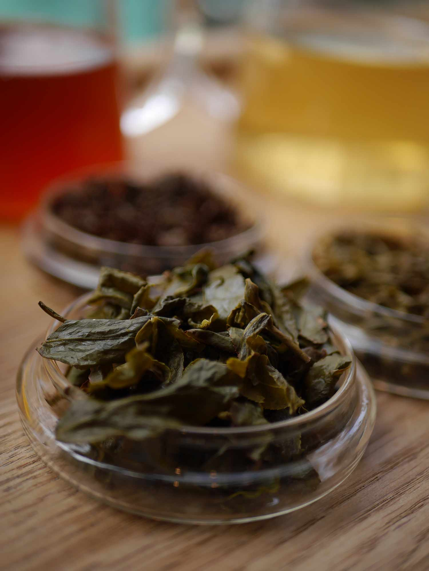 Oolong tea leaf