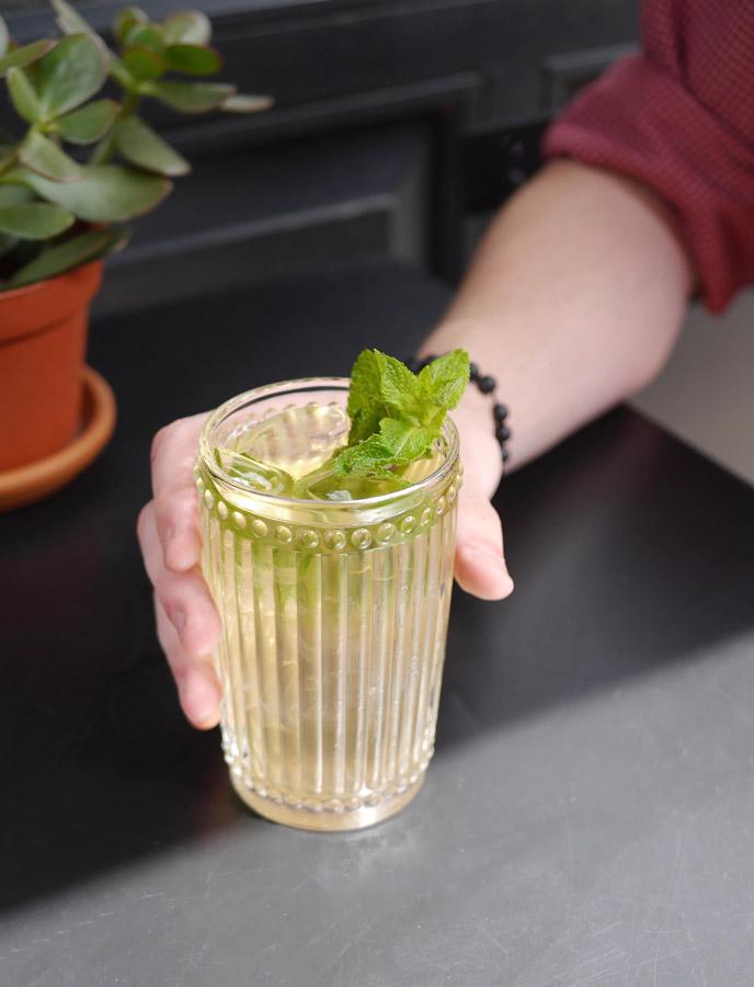 lemon-verbena-iced-tea-web.jpg