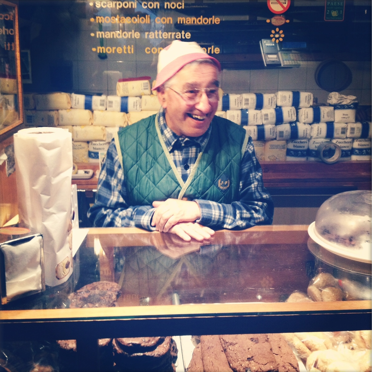 Cookie vendor, Scano, Abruzzo, on Morso Travel's food and wine tour.