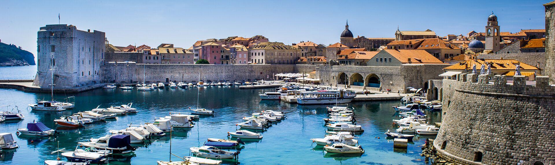 Kroatien-montenegro Hafen Dubrovnik.jpeg