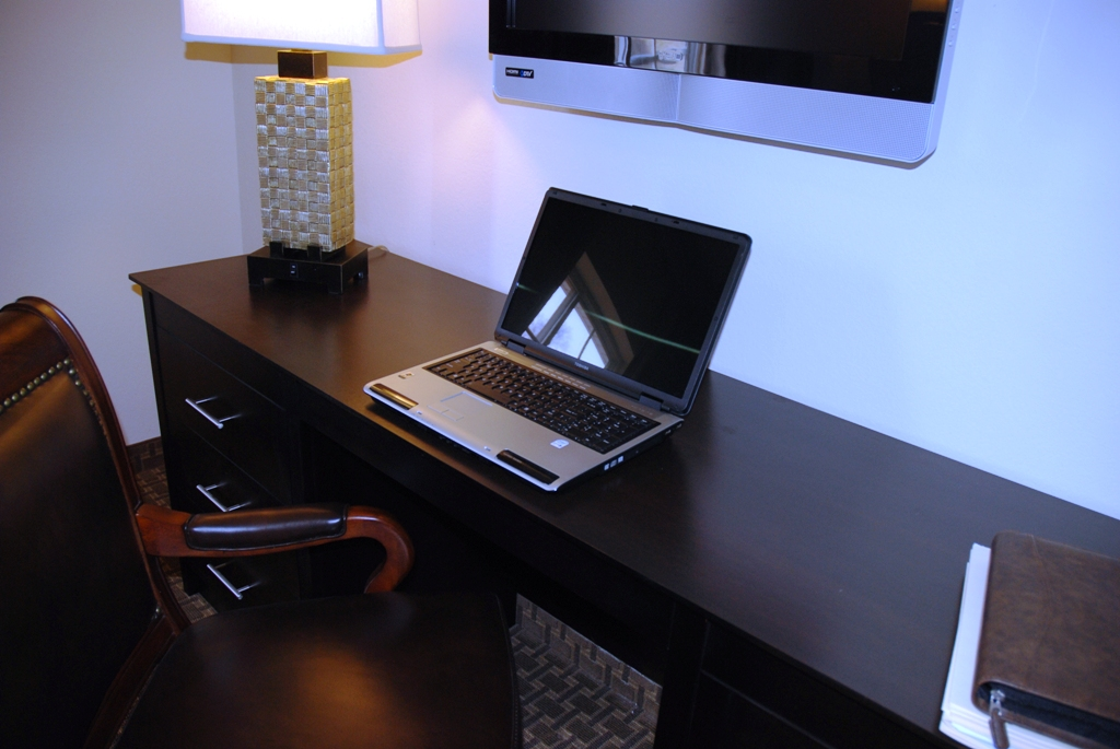 Work Desk in Suite